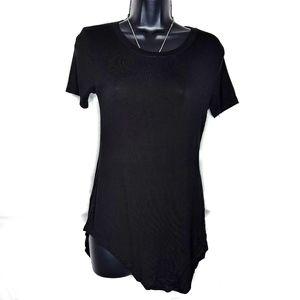 Rue21 Casual Black Short Sleeve Tee Curved Hem - M